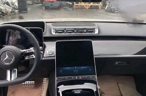 Mercedes-Benz упрекнули в копировании интерьера Tesla